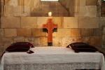 Catholic_altar.jpg
