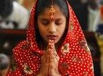 PAKISTAN_-_ragazza_cristiana_in_preghiera_2.jpg