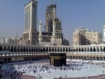 220px-The_Holy_Mosque_in_Mecca.jpg